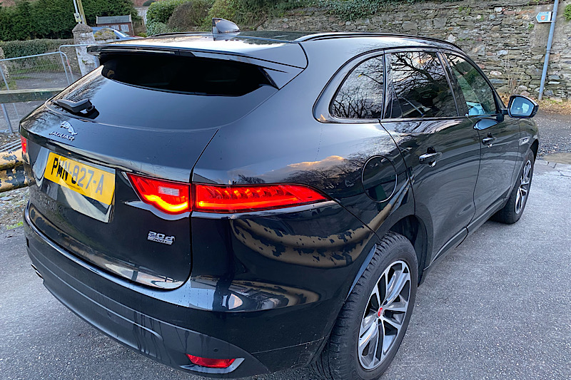 2016 Jaguar F-Pace 2.0 i4D (180ps) (AWD) R-Sport Automatic (Reference 3522)