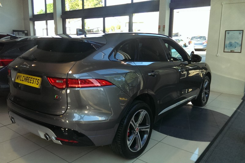 2016 Jaguar F-Pace S 3.0TD V6 (300ps) (AWD) Automatic (Reference 3375)